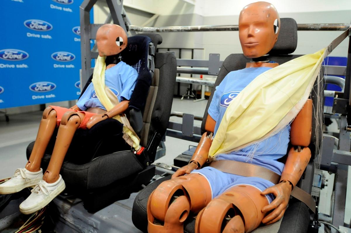 Ford Inflatable Seatbelt Cinto de segurança traseiro insuflável