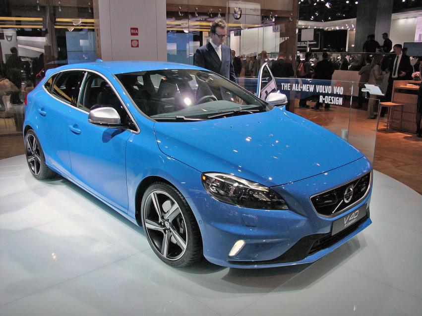 volvo v40 r design 01 Volvo V40 R Design