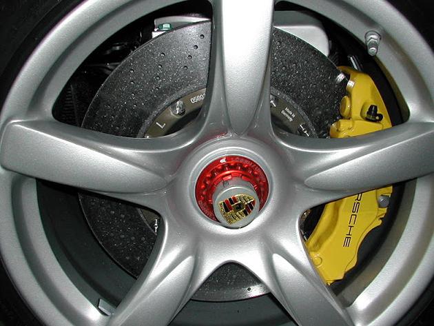 wheel-and-brakes-porsche-carrera-gt
