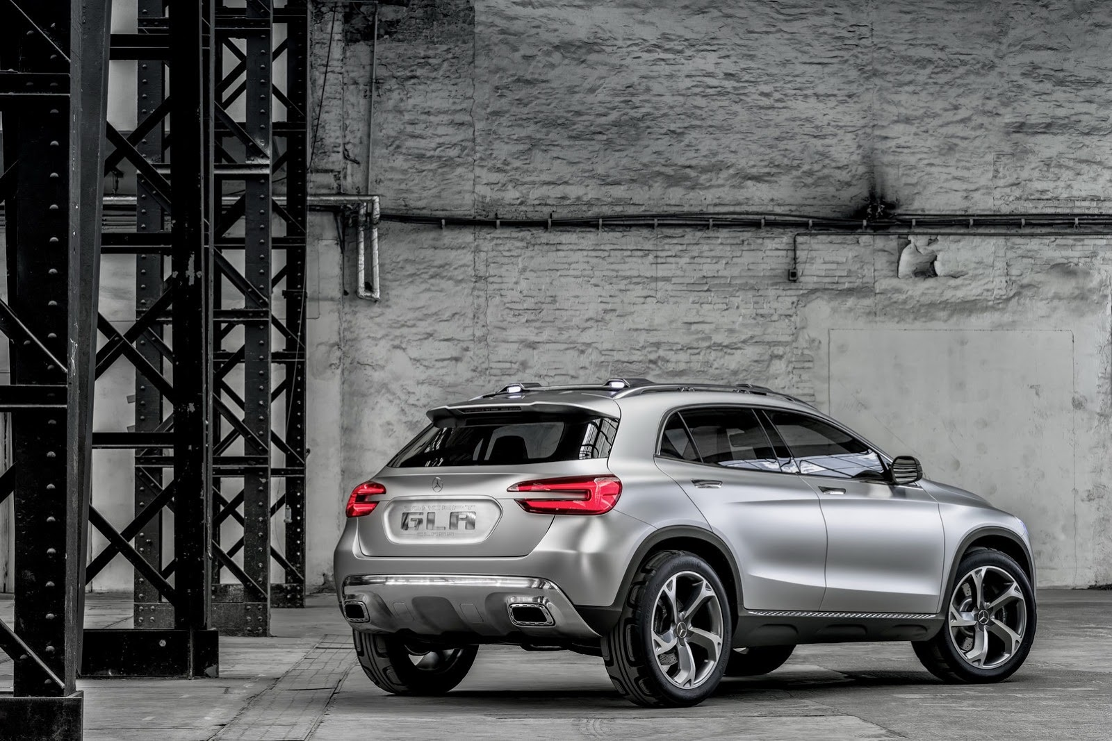 Mercedes Benz GLA 27 Mercedes Benz GLA