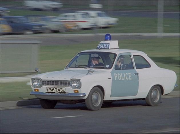 8270_november-1972-ford-escort-mk1-1100-police-car-1098cc-lbh243l