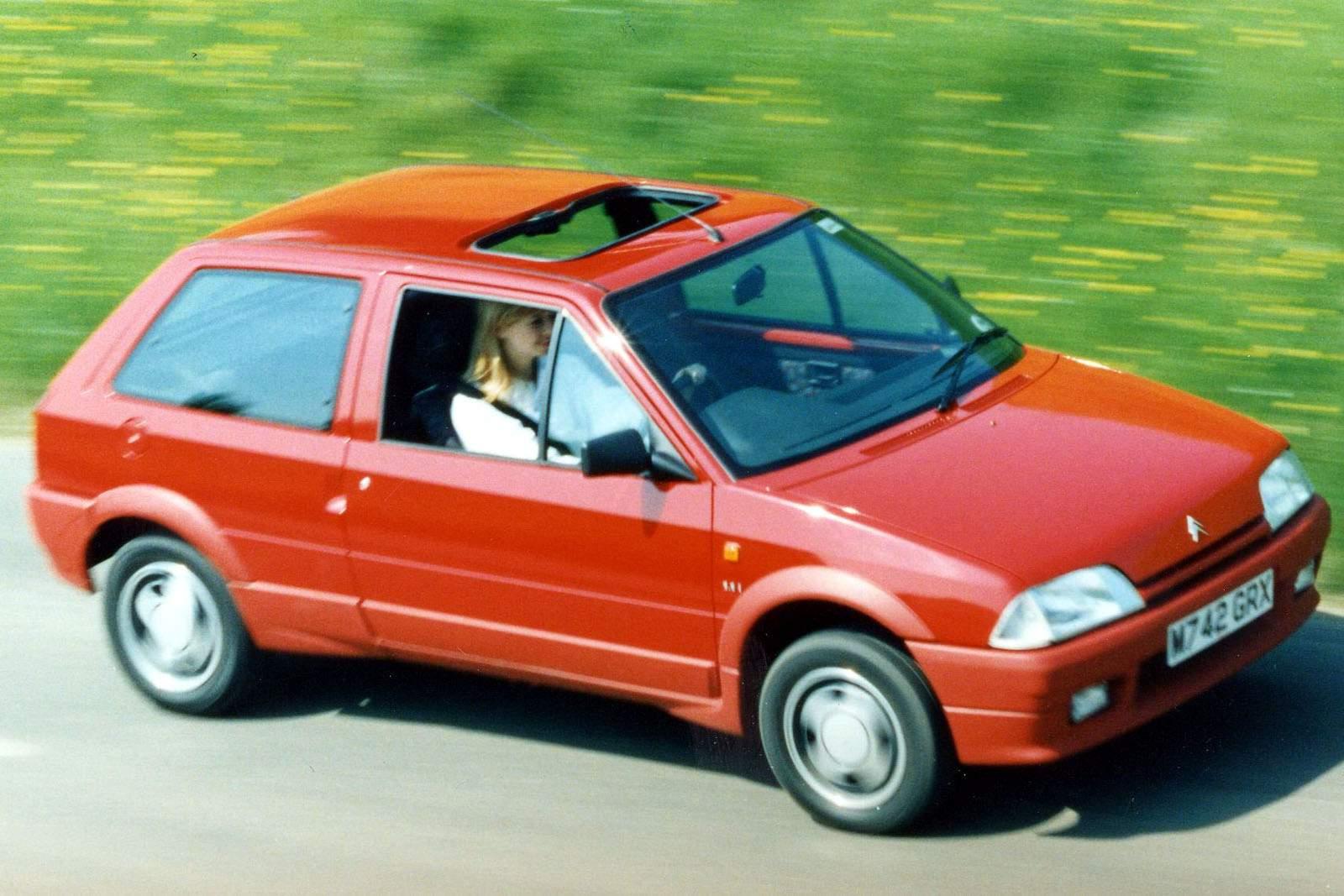bb43441e9703b Algo também invulgar neste segmento era o facto de se puder adquirir um Citroën  AX na variante 4×4