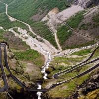 estradas-perigosas-trollstigen-1