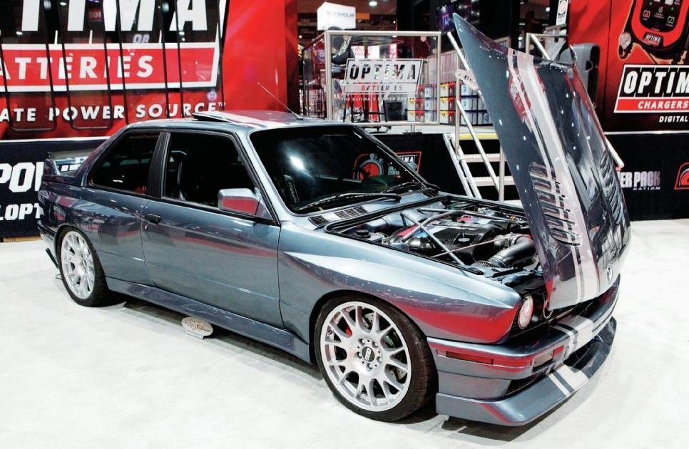 4 BMW M3 E30 V8 – Músculo americano e dinâmica alemã