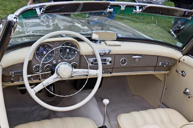 Mercedes_Benz_190SL_Roadster_inside_20110611