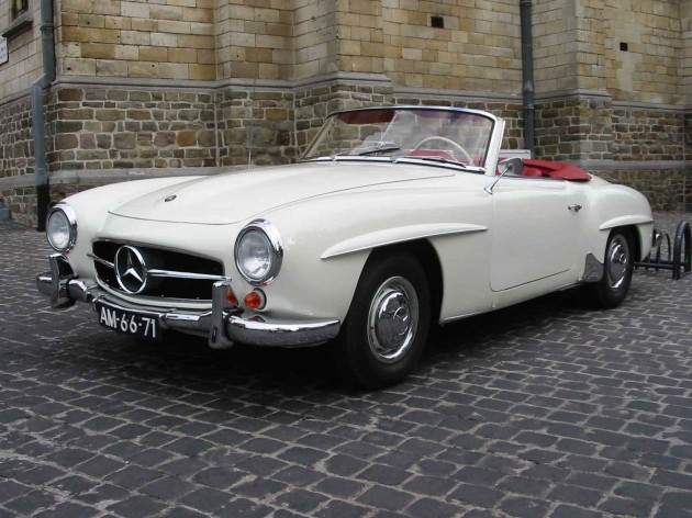 Mercedes_R121_190SL_(1960)_lVA_100kb