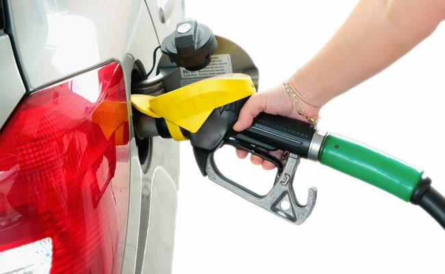 poupar combustivel Conselhos para poupar combustível no seu carro de aluguer nas próximas férias