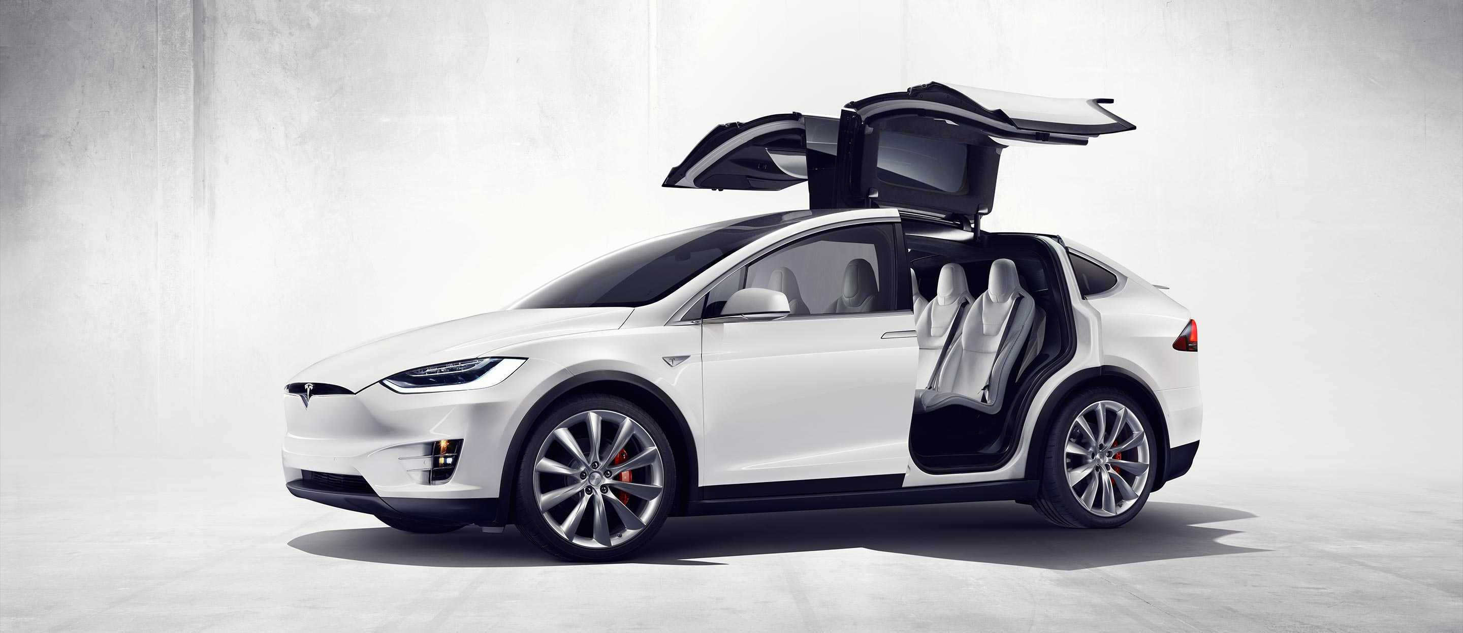 section hero Tesla Model X – Um SUV eletrizante