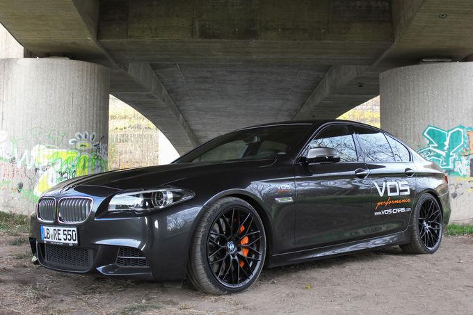 VOS BMW M550d Limousine Tuning fotoshowImage 28fe2826 911048 O BMW M550d xDrive preparado pela empresa VOS alcança os 300 km/h