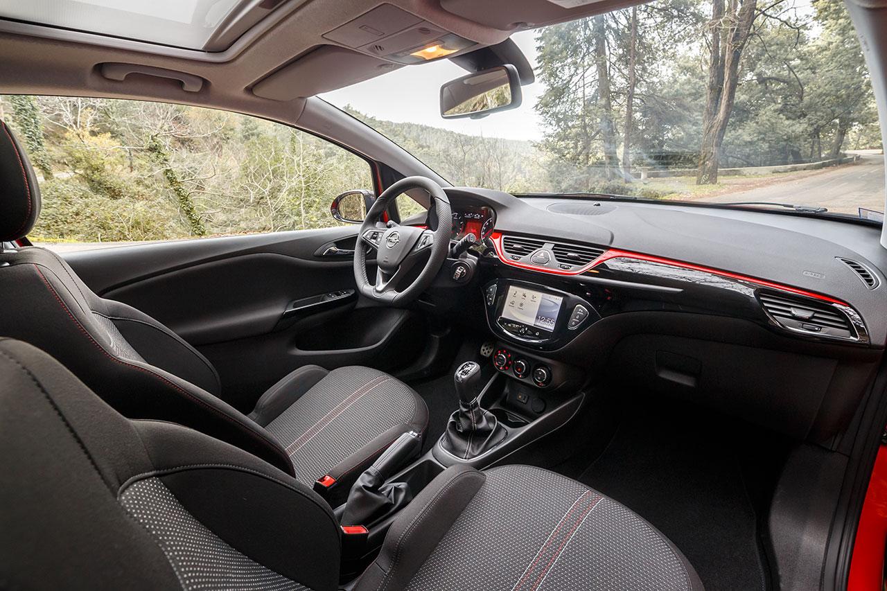 Opel Corsa GT interior