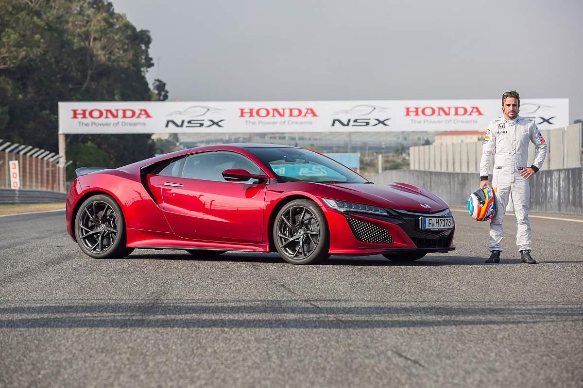 75434 FERNANDO ALONSO AL VOLANTE DEL NUEVO HONDA NSX EN EL CIRCUITO DE ESTORIL Novo Honda NSX terá 5 novas versões no futuro