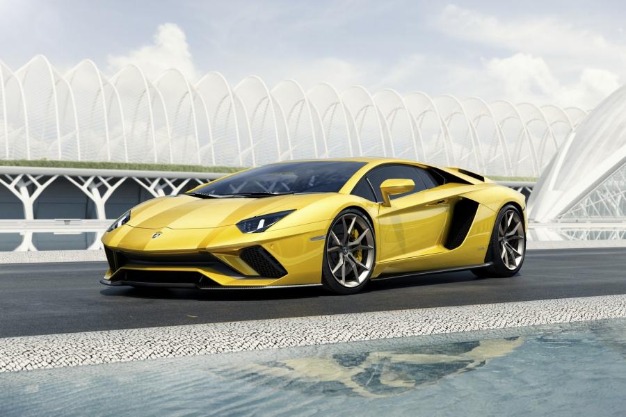 803cbd8a945e5738f450d9e8096374b4 5 XL Lamborghini Aventador S – Uma belíssima prenda de Natal