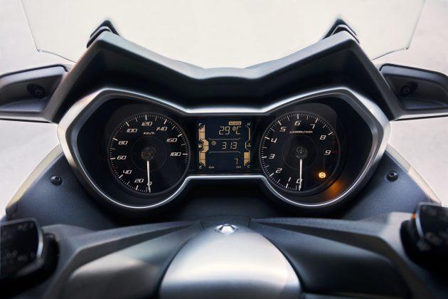 low 2018 yam xmax400 eu mdpbm3 det 014 52782 630x420 Yamaha X Max 400 – Novo modelo e a mesma ambição