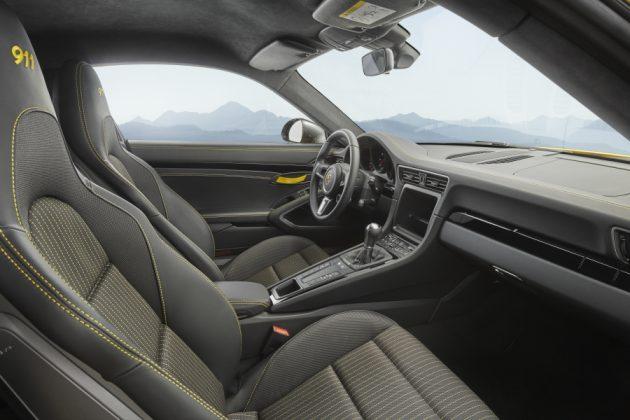 4873b60dc6570b03170f8d33fa2602af 4 XL 630x420 Porsche 911 Carrera T – O mais leve da atualidade