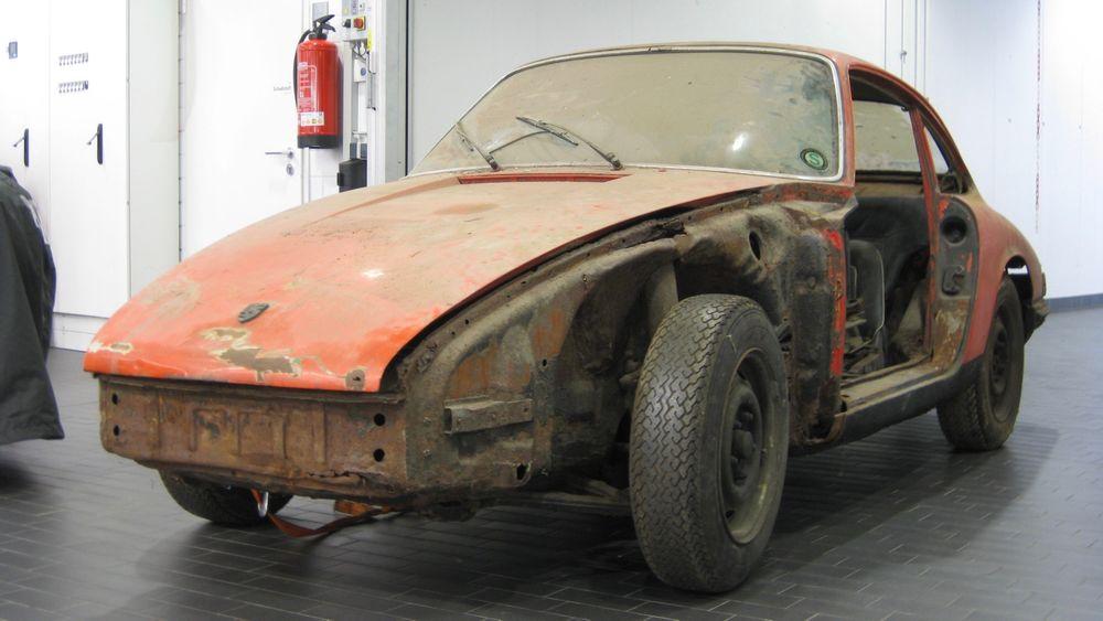 high 911 barn find 2017 porsche ag 1 A Porsche restaurou um fantástico e raro 901 de 1964