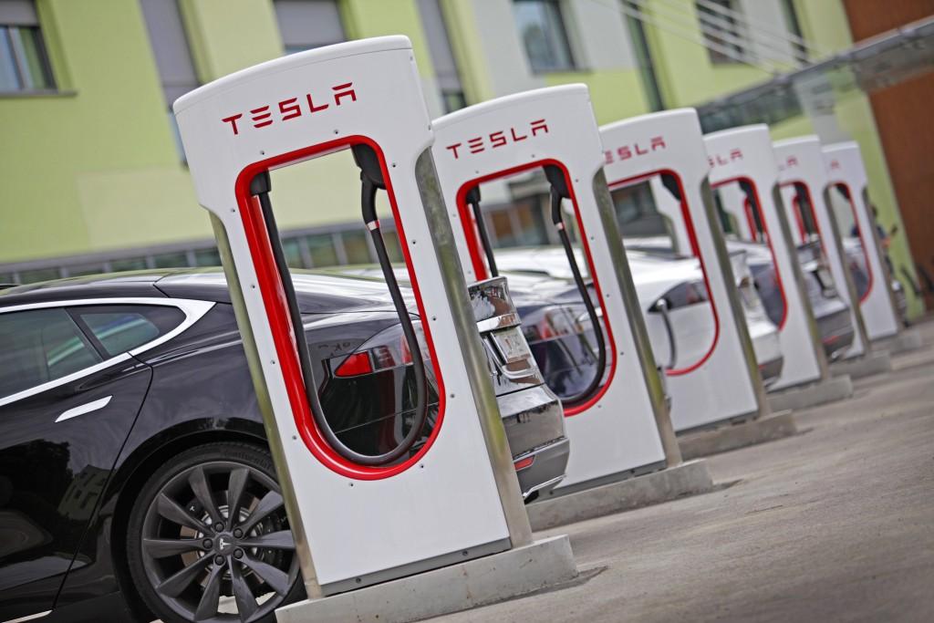 Tesla FP Ljubljana1 Supercarregador Tesla oficialmente em funcionamento em Portugal