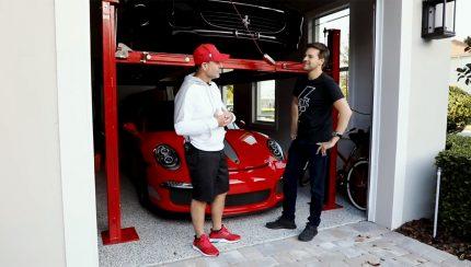 Untitled 1 copy 430x244 Rubens Barrichello abre a sua garagem