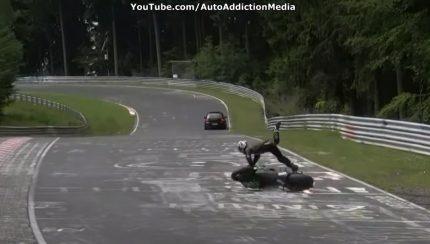 Untitled 1 copy 2 430x244 Vídeo com compilação de acidentes em Nürburgring