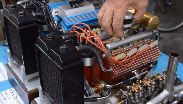 mo 1 628x356 Incrível exposição de réplicas de motores à escala