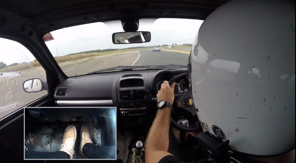 track1 1024x564 Camber and Combustion – Mais um vídeo brutal da batalha em pista entre Clio RS e o 306 GTi