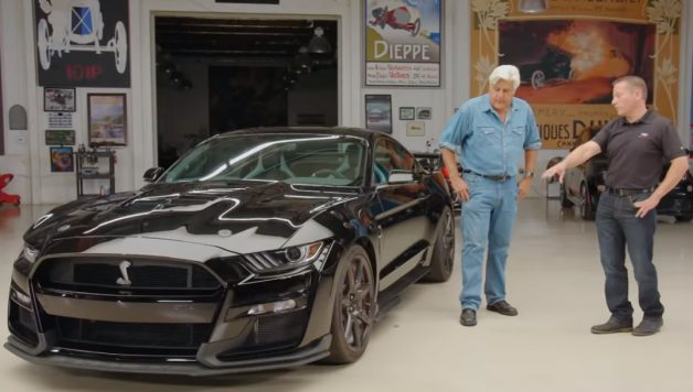 Untitled 1 copy 1 628x356 Jay Leno apresenta o novo Ford Mustang Shelby GT500