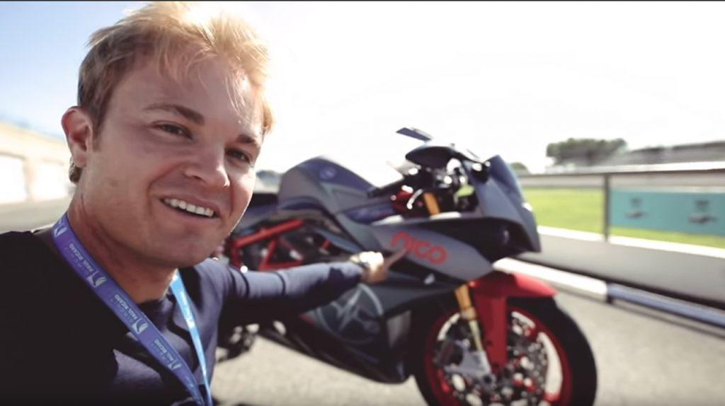 sdfasd 1024x574 Ex campeão do mundo de F1 Nico Rosberg testa a sua Superbike elétrica