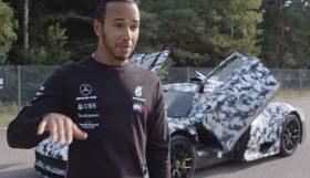 hamilton 280x161 Lewis Hamilton de perto com o novo Mercedes Project One
