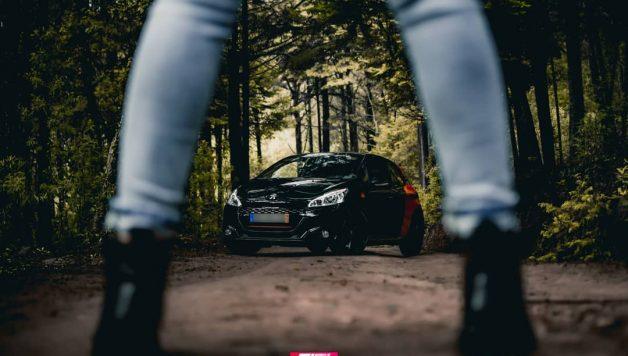 kitkat gti B51DJi1BLVw 1 628x356 Porque também há mulheres que adoram automóveis