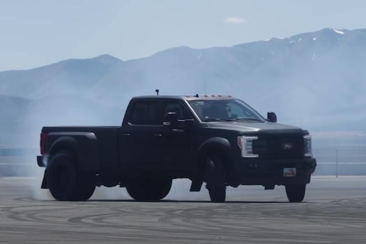 ford Ken Block mais uma Pick UP de 3,6 toneladas igual a muito pneu derretido