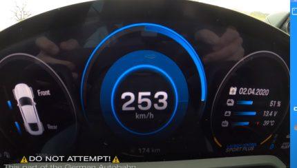 taycan 430x244 Porsche Taycan Turbo S – Um elétrico com performances incríveis