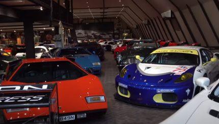 colection 430x244 Colecção privada de automóveis e motos no Reino Unido é de fazer cair o queixo