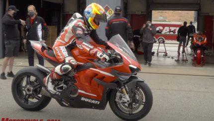 v4 430x244 Ducati Superleggera V4   234 cavalos para 159 kg de peso