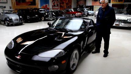 viper 430x244 Jay Leno ensaia o seu Dodge Viper de 1993