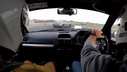 track 430x244 Camber and Combustion   Os divertidos duelos continuam em pista