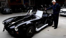 cobra 280x161 Jay Leno´s Garage   Um  Shelby 427 Cobra Competition original com um valor de 2.5 milhões de dólares